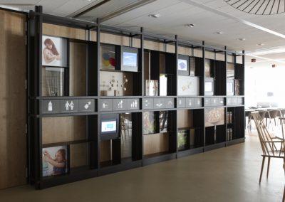 Metalen expositie kast